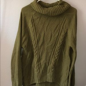 Navy green, sweater with 'turtle neck'